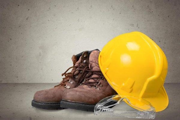 depositphotos_157634942-stock-photo-yellow-working-hard-hat